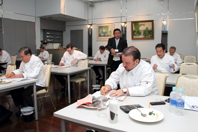 Le TAITTINGER Culinaire International 「middle volume 」The 8 young French cooking chefs' competition played in earnest